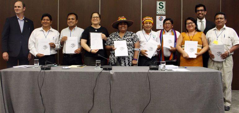 Organizaciones indígenas reciben Plan de Consulta Previa del RLMCC