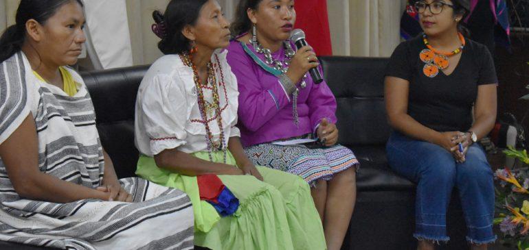 Las mujeres indígenas en la gestión de los bosques y los territorios comunales
