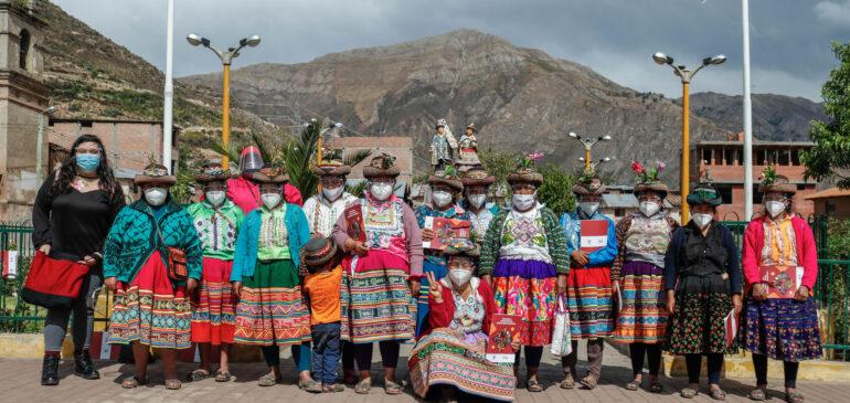 Mujeres indígenas se capacitan en autogestión para resistir a la crisis